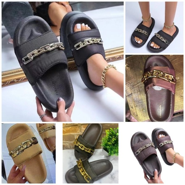 Round Head Thick Sole Sandals Uppers in Chains Decoration Slippers